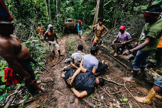 5_Brazil's-forest-villagers-Illegal-Loggers