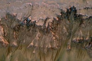 newton_crater-1-300x200